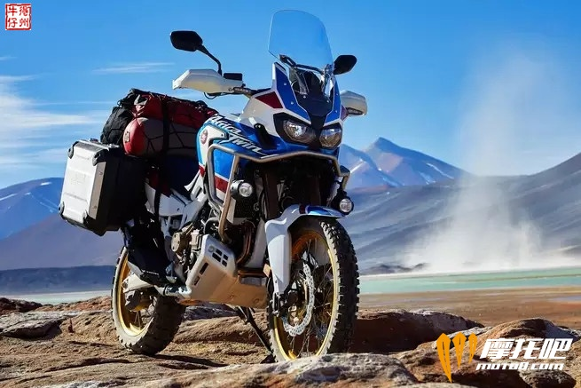 2018-honda-africa-twin-adventure-sports_action_image_11.jpg